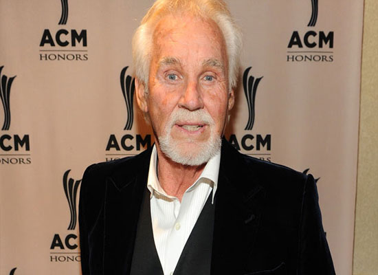 Kenny Rogers after Facelift Surgery